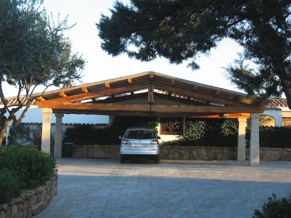 Carport due acque