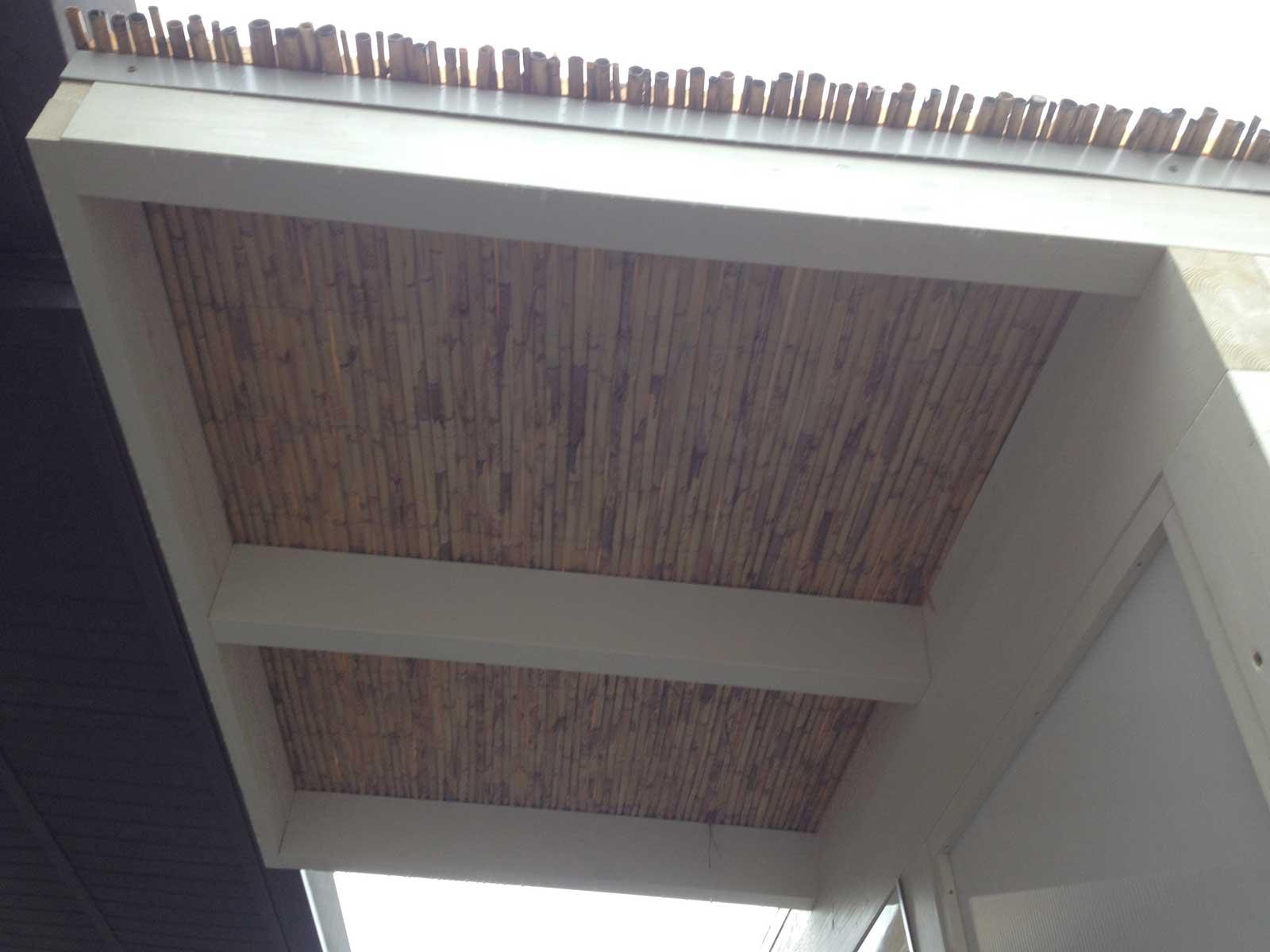 Veranda in legno bianco